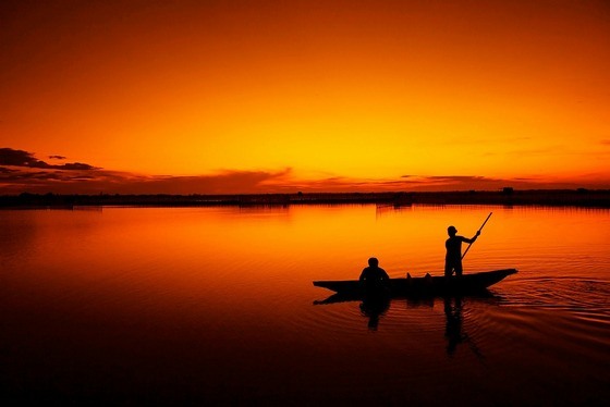 images/Fishing-at-sunrise.jpg