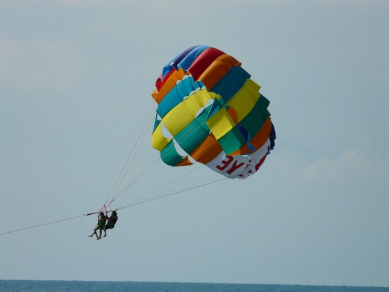 images/Parasailing-couple.jpg