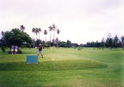 images/Playing-golf-Vanuatu-400.jpg