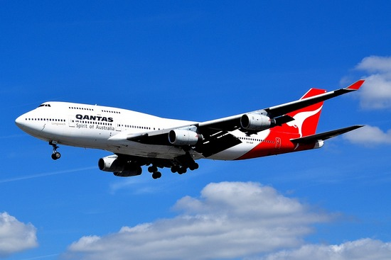 images/Qantas-airplane.jpg