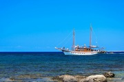 images/Sailing-in-blue-180.jpg