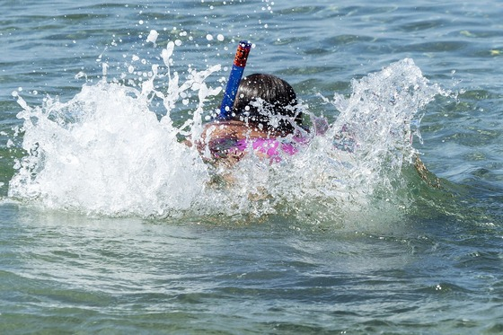 images/Splashing-snorkeler.jpg