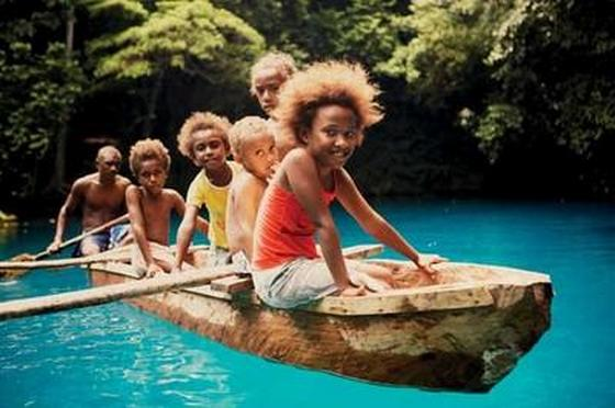 images/Vanuatu-children-in-kayak.jpg
